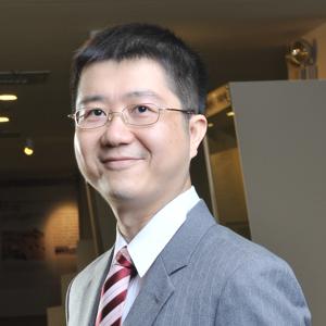 陳鋕雄 教授